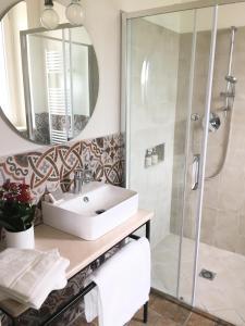 A bathroom at BellaVista Relax