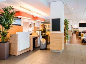 The lobby or reception area at ibis Heilbronn City