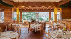 Un restaurante o sitio para comer en Hotel Grèvol Spa