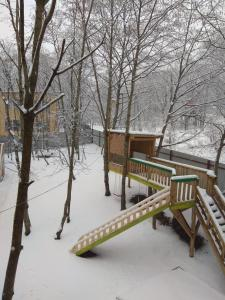 7 Bukht Guest House during the winter