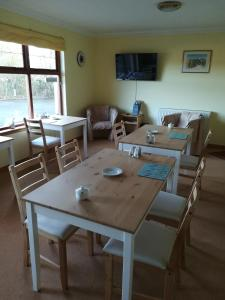 A restaurant or other place to eat at Deveron Lodge Guest House