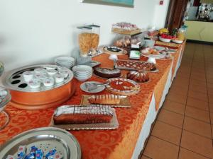 Breakfast options available to guests at Hotel Calabattaglia