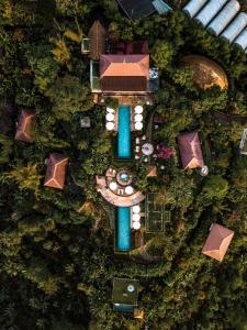 A bird's-eye view of Munduk Moding Plantation Nature Resort & Spa