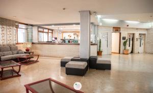 El vestíbulo o zona de recepción de Apartamentos Palm Beach Club Carihuela