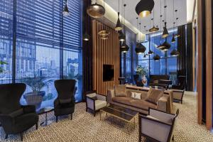 A seating area at Four Points by Sheraton Doha