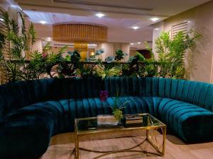 منطقة الاستقبال أو اللوبي في فندق فيوليت العزيزية
