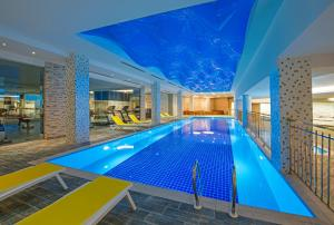 The swimming pool at or close to Sirius Deluxe Hotel