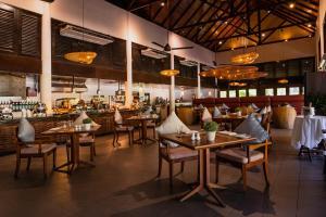 A restaurant or other place to eat at Vivanta Langkawi, Rebak Island