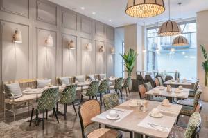 Un restaurante o sitio para comer en Vincci Palace