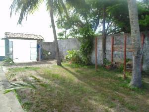 A garden outside Pousada Marisol Cacha Pregos