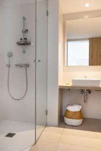 A bathroom at Gaviota - Formentera Vacaciones Adults Only