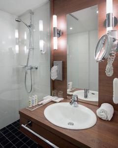 A bathroom at Hotel Mercure Graz City