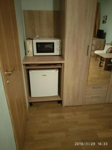 A kitchen or kitchenette at arkHouse
