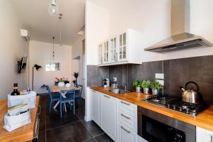 A kitchen or kitchenette at Le Stanze Di Catia