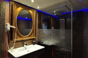 A bathroom at Pension & Spa de Watertoren