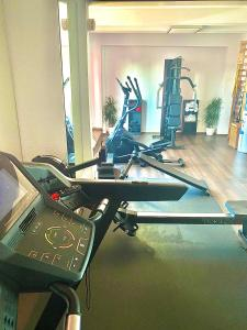 The fitness center and/or fitness facilities at Hotel Ambasador