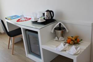 Utensilios para hacer té y café en Playasol Aquapark & Spa Hotel