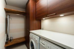 A bathroom at Holiday Club Naantali Apartments