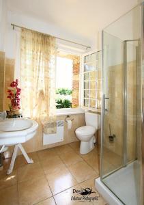 A bathroom at Hattonchatel Château & Restaurant La Table du Château