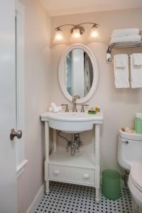 A bathroom at Sea Crest Beach Hotel