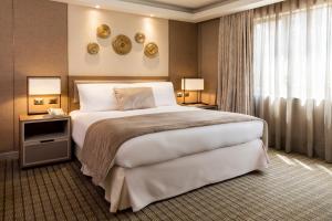 Cama o camas de una habitación en InterContinental Santiago, an IHG Hotel