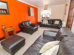 A seating area at Mossley Cottage