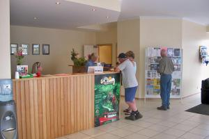 The lobby or reception area at Stanley Cabin and Tourist Park