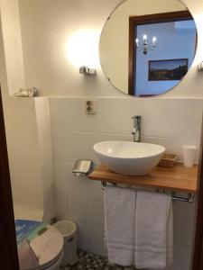 A bathroom at Hotel Galleria