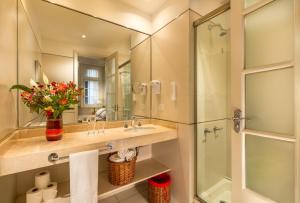 A bathroom at Duque Hotel Boutique & Spa