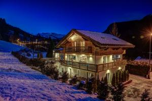 Chalet Rubicon during the winter