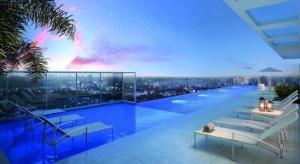 The swimming pool at or close to Flat mobiliado perto do Goiania Shopping, DNA, ótimo.