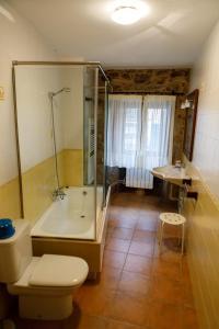 A bathroom at Casa da Balea