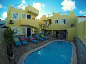 Het zwembad bij of vlak bij Casa Paula Apartments