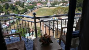 A balcony or terrace at Shani Residence Kandy