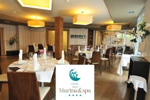 A restaurant or other place to eat at Hotel Norat Marina & Spa 4* Superior