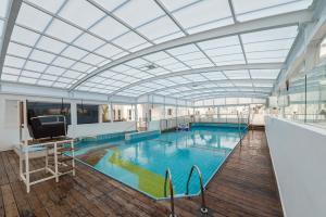 Hotel Astral Nirvana Club- Half Board Premiumの敷地内または近くにあるプール