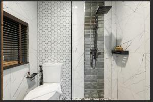 A bathroom at The Matta