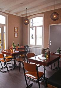 Een restaurant of ander eetgelegenheid bij Staatsie 1866