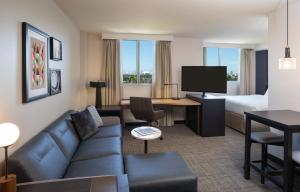 A seating area at Residence Inn by Marriott Miami Airport