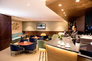 مطعم أو مكان آخر لتناول الطعام في Hibatullah Hotel Makkah managed by Accorhotels