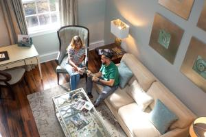 A family staying at Olde Harbour Inn, Historic Inns of Savannah Collection
