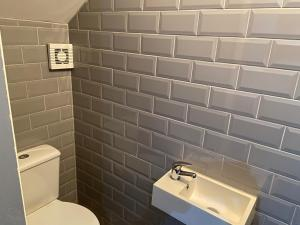 A bathroom at Ivy Mount Boutique