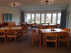 A restaurant or other place to eat at Jugendherberge Kappeln