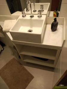 Um banheiro em Studio Copacabana