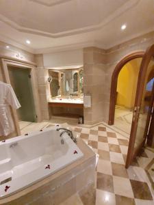 A bathroom at Hasdrubal Prestige Djerba