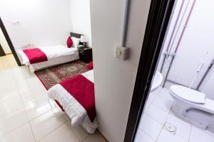 Um banheiro em Al Eairy Apartments - Al Madinah 4