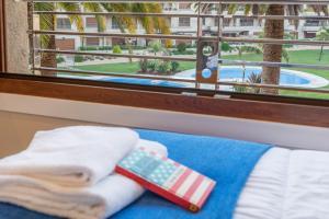 Uma vista da piscina em Nuevo apartamento en Isla de la Toja ou nas proximidades