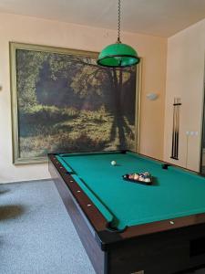 Stół bilardowy w obiekcie Hotel Reymont