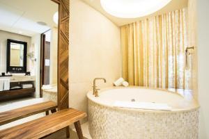 A bathroom at Secrets Akumal Riviera Maya - Adults Only