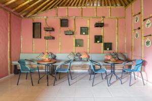 A restaurant or other place to eat at Selina Quindio